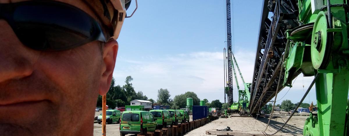 Pile drivers operator for Voorbij 2018
